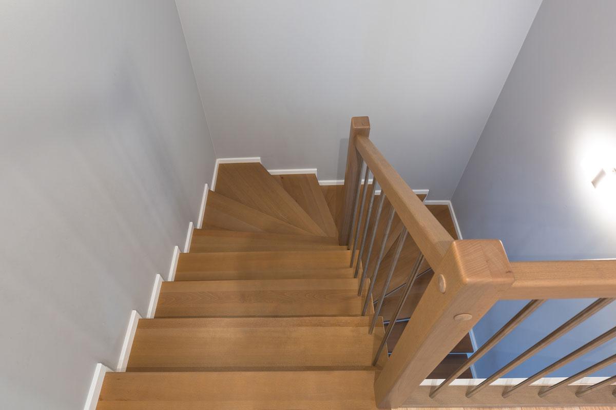 Pose, installation escaliers à Caen (Calvados-14)